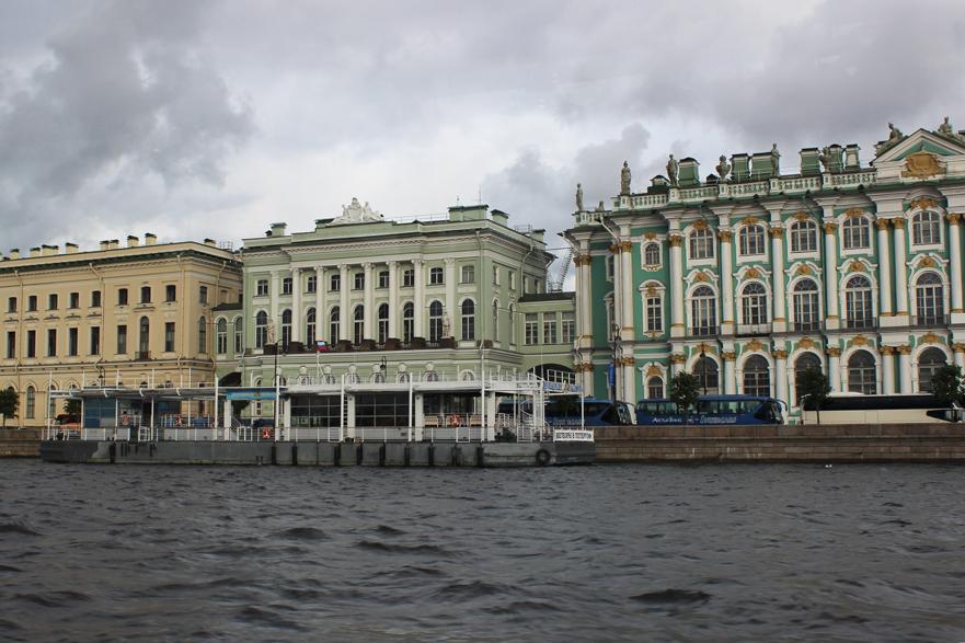Водные экскурсии и прогулки по рекам и каналам Санкт-Петербурга